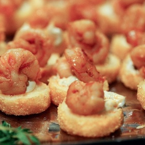 image of a shrimp and grits mini tarts